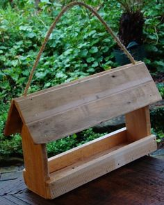 Lg RECYCLED WOODEN BIRD FEEDER READY TO HANG Suits all Birds HAND MADE CHRISTMAS GIFT $29