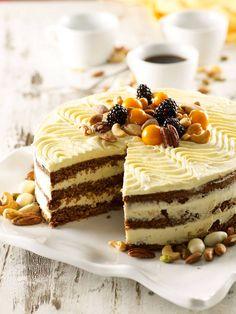 Mehevän tuhdin pähkinäkakun salaisuus on kvinoassa Tiramisu, Cheesecake, Ethnic Recipes, Desserts, Pastries, Food, Tailgate Desserts, Deserts, Cheese Pies