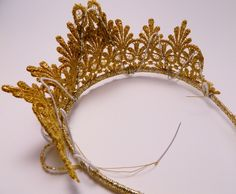 Golden lace crown step 5