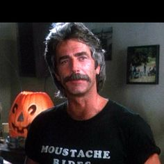 Sam Elliott's Moustache Rides in Mask Happy birthday to the ultimate moustache ride: Sam Elliott. Look At You, How To Look Better, Moustache Ride, Mustache Man, Katharine Ross, Sam Elliott, Love Sam, Tom Selleck, Actrices Hollywood