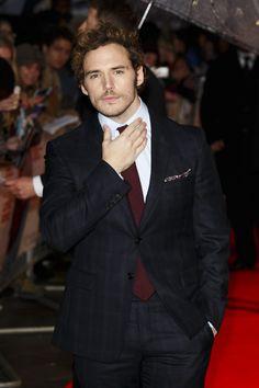 Se ha convertido en uno de los hombres del verano gracias a su papel en el drama romántico 'Yo antes de ti. De sonrisa sincera y con un toque British de lo más encantador, Sam nos ha robado el corazón. #ellos #hombres #sexys #hombredelasemana