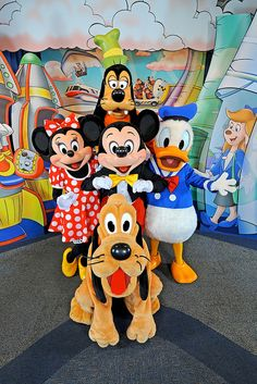 Where Can You Meet Disney Characters? A guide to meeting the characters at Walt Disney World! Disney Magic, Disney Day, Disney Theme, Cute Disney, Disney Mickey, Walt Disney World, Disney 2017, Mickey Mouse E Amigos, Mickey Mouse And Friends
