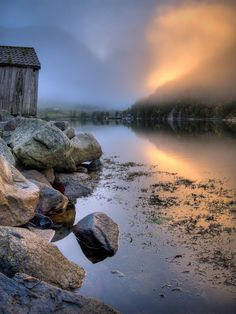 Bootsh?tte am Fjord