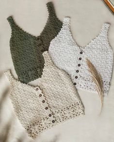 Crochet Bra, Crochet Crafts, Crochet Clothes, Diy Clothes, Crochet Projects, Crochet Tank Tops, Crochet Summer Tops, Crop Top Pattern, Winter Accessories