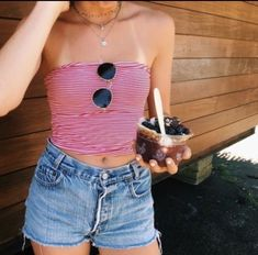 red and white striped tube top with medium wash jean shorts cute sunglasses prob from OU Cute Summer Outfits, Spring Outfits, Trendy Outfits, Cute Outfits, Fashion Outfits, Cute Summer Tops, Beach Outfits, Grunge Outfits, Fashion Styles
