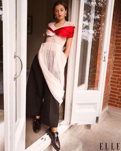 emma corrin Princess Diana Interview, Fashion News, Fashion Models, Fashion Updates, The Crown Season, Greg Williams, Elle Magazine, Famous Models, Pinterest Fashion