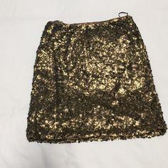 H&M gold sequin skirt H&M gold sequin skirt xs NWOT H&M Skirts Mini