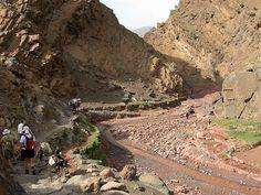 Randonnée à pied de la vallée Heureuse au sommet du M'Goun en 8 jours, trekking vallée Ait Bouguemmez, Randonnée ascension M'goun, trekking in Morocco, trek la vallée heureuse Maroc, agence de voyage agadir maroc, travel agency agadir morocco,