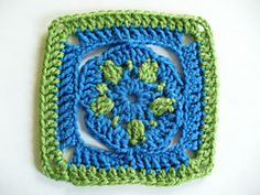 Star Flower Granny Square pattern by Rhonda Rowley