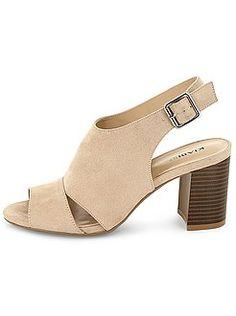 Zuecos - Sandalias de tacón tipo zuecos - Kiabi  17€ Heeled Mules, Heels, Fashion, Shopping, Role Models, Shoes Sandals, Zapatos, Clogs, Tents