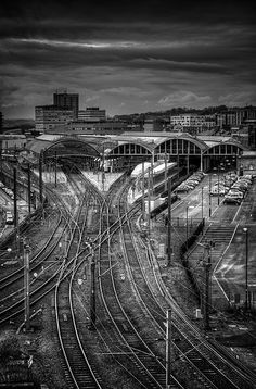 Newcastle Central Station ( Explore @ thanks! Level Design, Heritage Railway, Model Railway Track Plans, Abandoned Train, Holland, Train Pictures, British Rail, Old Trains, Trains