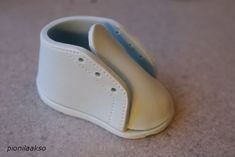 Baby Shoes Tutorial - Baby Shower Cake - Cake Central