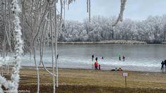 Körbejártuk a Tisza-tavat és megnéztük, hol lehet korcsolyázni, hokizni. Hivatalos, önkormányzat vagy vállalkozó által működtetett jégpálya nincs a Tisza-tó körül. Vannak azonban olyan kijelölt területeket, ahol az önkormányzat folyamatosan figyeli a jég állapotát és tájékoztatja a a lakosságot a helyi fórumokon arról, hogy hol lehet rámenni a jégre. Olvass tovább és tudd meg, merre érdemes korcsolyázni indulni a Tisza-tónál! Merida