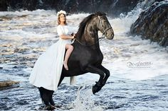 Instagram media by dixilarina - @nataljaairikh 💎💙 #фриз#фотографспб#фотосессия#фотосессияслошадьми#водопад #саблин кийводопад #фриз #waterfall #трюковыелошади #красота#девушка#брюнетка #photoshootwithhorse#photographer#portrait#photoshoot#horse#life#like#dream#sand#summer #море #вода #лето #чудо #грация #sea #фотодень #диксиларина #фотоднислошадьми