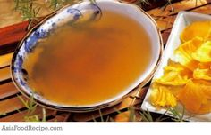 Ji Nei Jin is sweet and neutral in nature. It aids in digestion, strengthen the spleen and stomach. For people with indigestion or abdominal distension after eating or bad appetite, add haw, malt and Shen Qu. People with spleen asthenia without indingestion should not drink this soup.