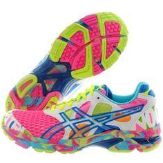 tênis Nike colorido feminino bonito e confortável 7247d397f7d02