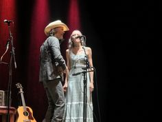 Gillian Welch At Beacon Theatre, Wednesday, August 2nd, 2017, reviewed