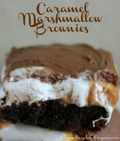 These will be baking within the hour! Sweet Treats: Ooey Gooey Caramel Marshmallow Brownies - Diary of a Working Mom Köstliche Desserts, Delicious Desserts, Dessert Recipes, Yummy Food, Marshmallow Brownies, Cake Brownies, Caramel Brownies, Oats Recipes, Brownie Recipes