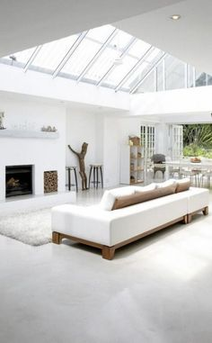 White interior with sky lights Minimalist White House with Modern Interior Design in South Africa - Home Trends Design - Home Interior Ideas, Home Decorating, Home Furniture, Home Architecture, Room Design Ideas Deco Design, Design Case, Design Design, Minimalist Living, Minimalist Decor, Minimalist Bedroom, Minimalist Interior, Minimalist Style, Minimalist Furniture
