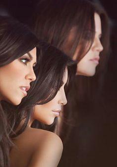 Kourtney, Kim and Khloe Kardashian. Hate Kim, LOVE Kourtney and Khloe Kourtney Kardashian, Kardashian Girls, Kardashian Beauty, Estilo Kardashian, Kim And Kourtney, Kardashian Family, Kardashian Style, Kardashian Jenner, Jamie Lynn Spears