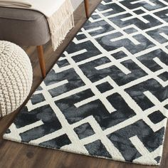 Dip Dye Collection DDY677J Color: Graphite / Ivory - #safavieh #safaviehrugs #safaviehrunners #rugrunners #rugs #hallwayrugs #entrywayrugs #staircaserugs #staircasecarpets #entrywaycarpts #bedroomrugs #livingroomrugs #diningroomrugs #kitchenrugs #hallwaydecor #entrywaydecor #shoprugs #runnercarpets #bluerunnerrug #tauperunnerrug