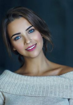 Wow the eyes Girl Face, Woman Face, Beautiful Face Women, Beautiful Females, Beautiful Blue Eyes, Stunning Eyes, Pretty Eyes, Simply Beautiful, Gorgeous Girl