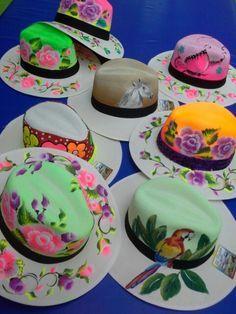 sombreros PINTADOS A MANO DE CARNAVAL - Buscar con Google