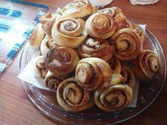 ΣΠΙΤΙΚΟ ΦΑΓΑΚΙ: ΡΟΛΑ ΚΑΝΕΛΑΣ Sweet Recipes, Almond, Muffin, Food And Drink, Breakfast, Morning Coffee, Almond Joy, Muffins, Cupcakes