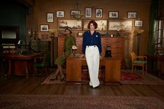 There are big hopes brewing for CBC's Frankie Drake Mysteries.For one thing, the show, about Toronto's only female private detective in the is brought to you by Shaftesbury, the production company behind the long-running Murdoch Mysteries. Murdoch Mysteries, Best Mysteries, Detective, Drake Fashion, Lauren Lee Smith, Ashley Jensen, Titus Welliver, Agatha Raisin, Endeavour Morse