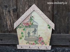 #Handmade key hanger made with #decoupage. It's a perfect #gift for women who love unique things in their #home or like the #ShabbyChic style.