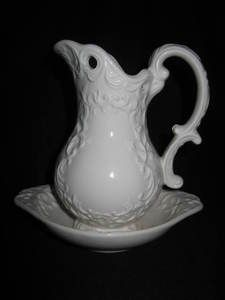VINTAGE NAPCOWARE PROVINCIAL PITCHER & PLATE W/ TAG WASH BASIN COUNTRY VICTORIAN