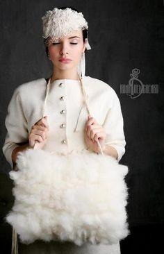Варежки, митенки, перчатки ручной работы. Заказать Валяная муфта «Wedding». Irina Demchenko. Ярмарка Мастеров. Муфта валяная, шерсть