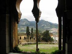 Los montes de Tetuán desde una ventana del antiguo Cuartel de Regulares en la ladera del Dersa, Carlos Cuerda