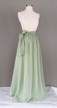 Hochzeitskleid - Brautkleider, Hochzeitskleider 2019 Sage green chiffon skirt Bridesmaid skirt floor length tea length knee length empire waist green chiffon maxi SASH is additional charge Chiffon Maxi, Chiffon Rock, Chiffon Dresses, Elegant Dresses, Pretty Dresses, Beautiful Dresses, Formal Dresses, Peach Prom Dresses, Pink Dresses