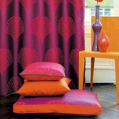 orientalische wohnideen, sitzkisse in rot und orange