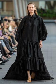 Aje Australia Resort 2020 Fashion Show - Vogue 2020 Fashion Trends, Fashion 2020, New Fashion, Fashion Show, Fashion Outfits, Fashion News, Fashion Brands, Black Women Fashion, Womens Fashion