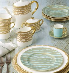 Ruche Flow by Bruce Oldfield for Royal Crown Derby... I want!!!!!!! Love!!!!
