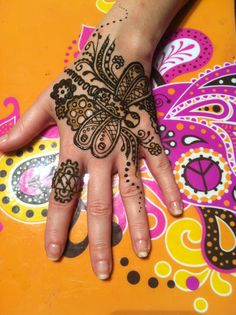 A cool steampunk dragonfly inspired from one of Kim Brennan's designs.  *Copyright Harris' House of Henna & Body Art 2011