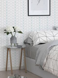 Peel and stick vinyl wallpaper - Leaf pattern - 113 Snow/ Whisper/ SEAFOAM