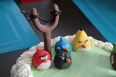 Vihaisia lintuja, sokerimassaa.