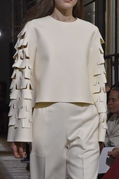 Minimalist tailoring with textured sleeve detail; runway fashion details // Maison Rabih Kayrouz A/W 2015