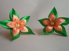 Зелёная звезда резиночка для волос канзаши / Green star hairband kanzashi