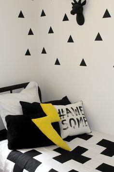 Monochrome / black and white big boy room makeover!