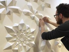 The Way This Engineer Turns Simple Sheets Of Paper Into Geometric Art Is Amazingly Satisfying Pics)Believe it or not, but these gorgeous geometric sculptures were created out of ordinary sheets of paper by artist Matt Shlian. Paper Wall Art, 3d Paper, Paper Crafts, Geometric Sculpture, Geometric Art, Matt Shlian, Origami Wall Art, Paper Engineering, Creation Couture