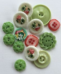 Vintage Buttons - 1940's 14 Mixed Glass & Casein Green/White/Red Buttons in Other | eBay