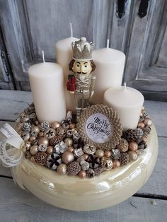 Christmas Advent Wreath, Christmas Wood Crafts, Christmas Projects, Winter Christmas, Christmas Decorations, Xmas, Table Decorations, Towel Cakes, Centerpieces
