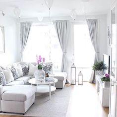 Comfy-Cozy Living Room Essentials for Fall and Beyond Narrow Living Room, Cozy Living Rooms, Apartment Living, Living Room Decor, Living Room Inspiration, Home Decor Inspiration, Living Room Essentials, Living Room Designs, Interior Design