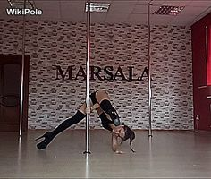 Pole Dance Moves, Pole Dancing Fitness, Pole Fitness, Barre Fitness, Fitness Exercises, Boot Camp Workout, Barre Workout, Waist Workout, Pole Dance Studio