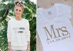 """Elmaradhatatlan a feliratos póló, de érdemes a szokásos """"menyasszony"""" szöveg helyett valami izgalmasabbat kitalálni."""