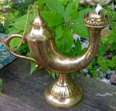 FREE SHIPPING...  This listing is for a Vintage Solid Brass Oil Lamp/Lantern..it is etched with a beautiful design.. It is in Amazing Vintage